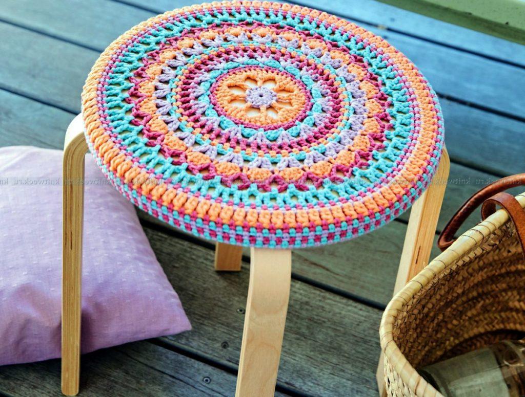 Декоративные сидушки для стула крючком. Схемы Knit crochet