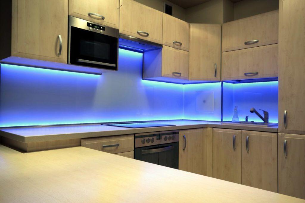 Как сделать подсветку на кухне фото