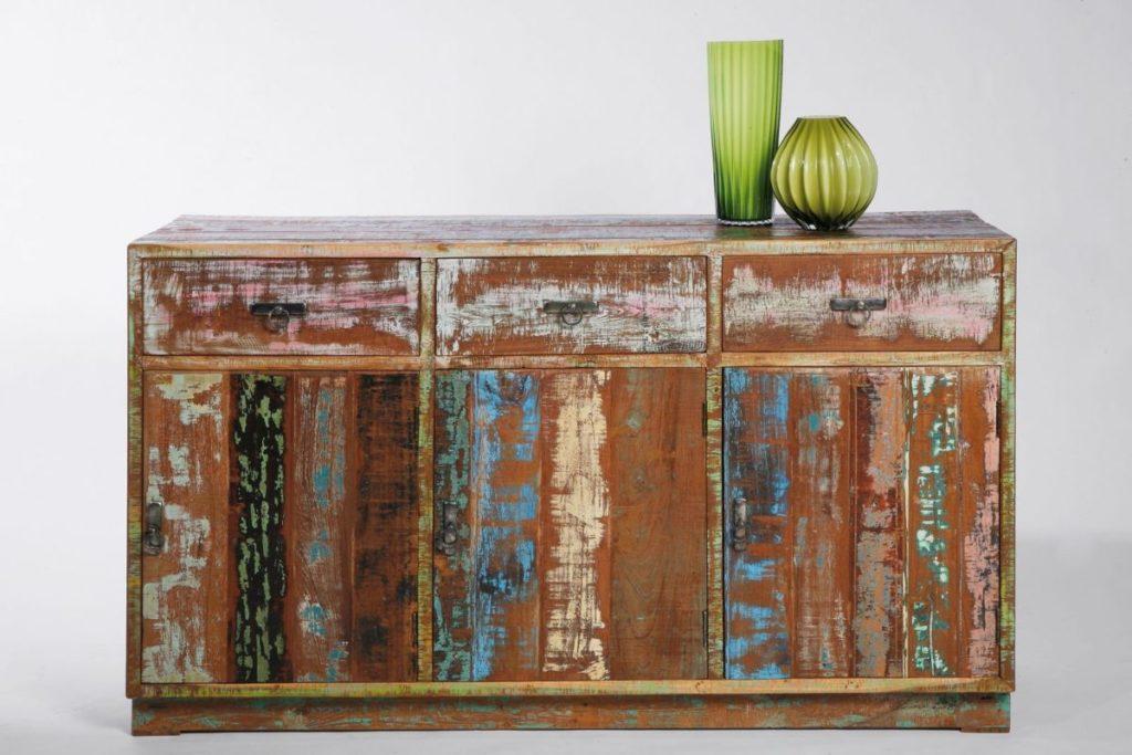 Идеи для обновления старой мебели своими руками 30
