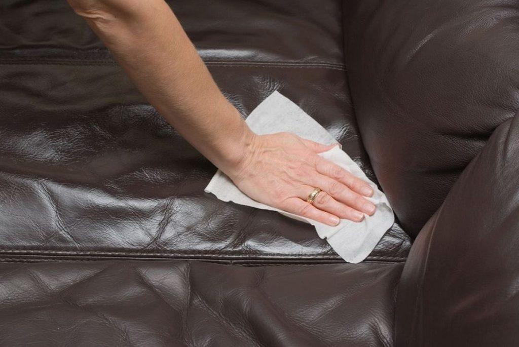 Чем очистить диван от мочи в домашних  986