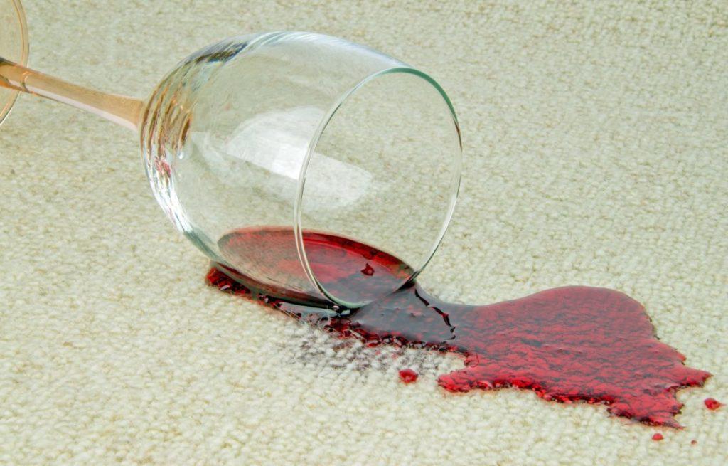 Пятна красное вино удалить фото