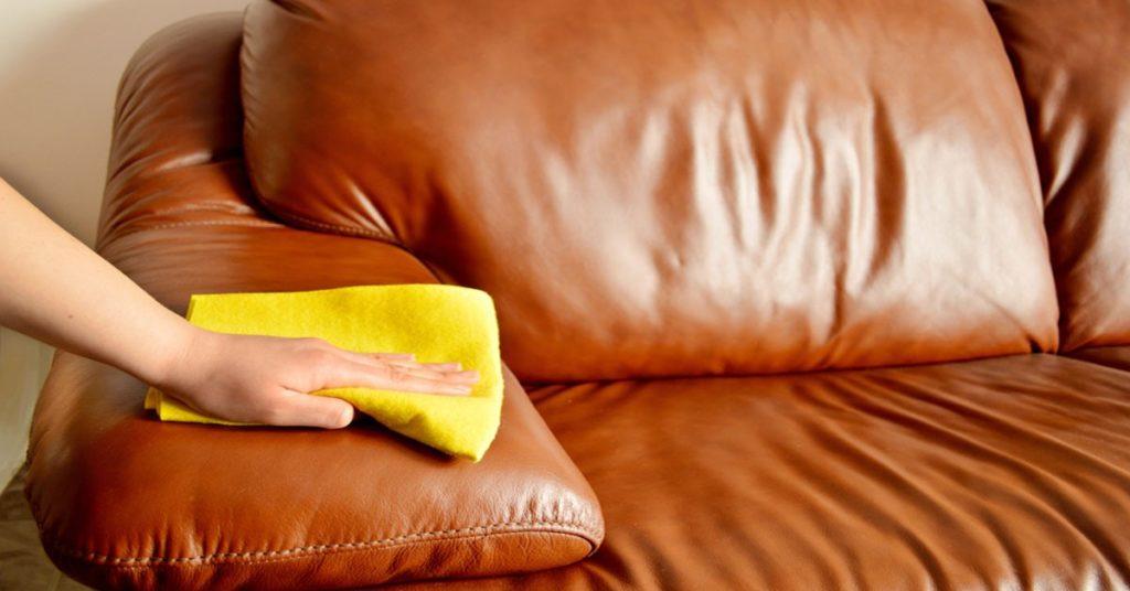 Чем оттереть ручку с кожаного дивана