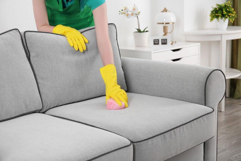 Как почистить диван в домашних условиях от грязи и 29