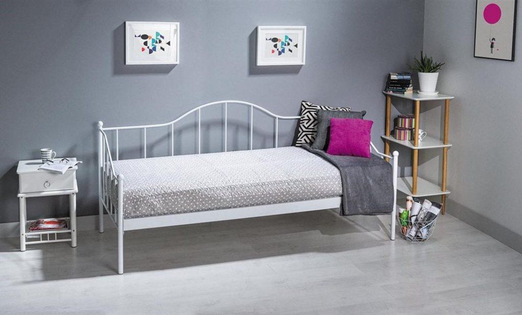 Металлические кровати 88 фото с железным каркасом и изголовьем белая из металла для спальни сборка своими руками отзывы