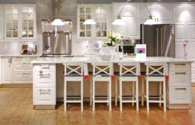 Кухонный стол с ящиками