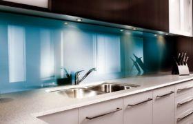 Размеры стеклянных фартуков для кухни