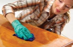 Как обновит мебель лаком