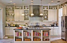 Открытые кухонные шкафы